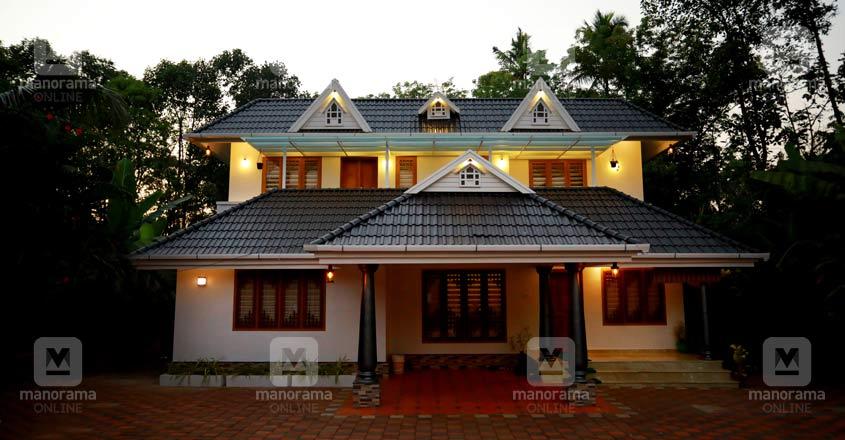 renovated-home-muvattupuzha-night