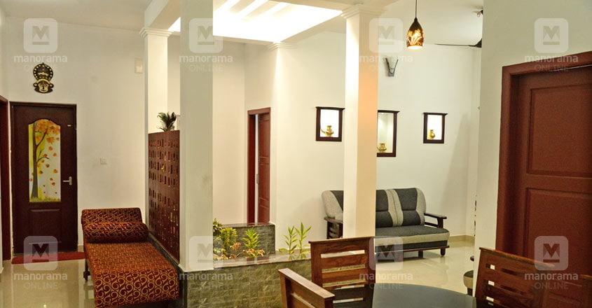kanjirappally-manoj-house-hall