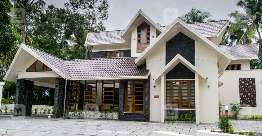 traditional-home-kannur-exterior