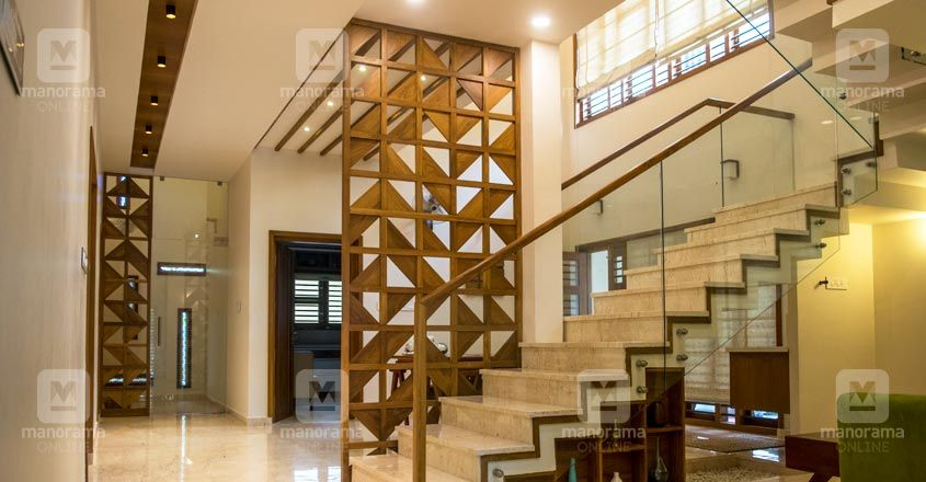 traditional-home-kannur-stair