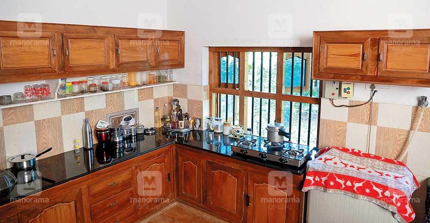 18-lakh-cool-home-palakkad-kitchen