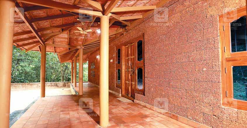 18-lakh-cool-home-palakkad-veranda