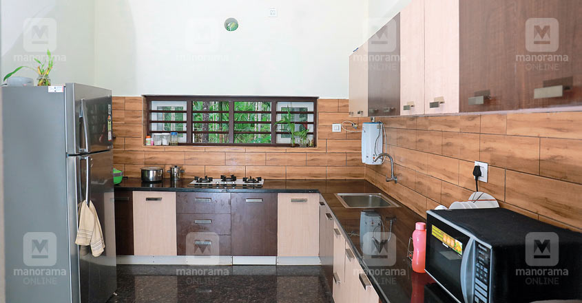 25-lakh-home-malapuram-kitchen
