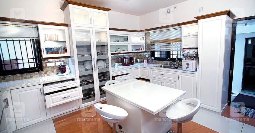 kattakada-modern-home-kitchen