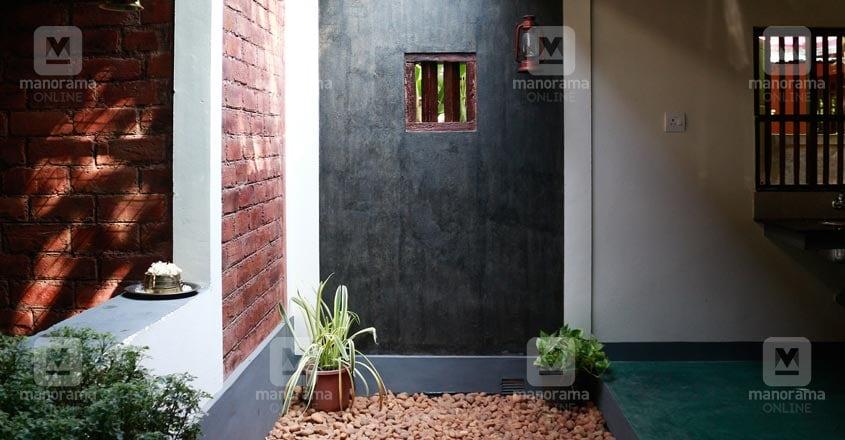10-lakh-home-thrissur-court