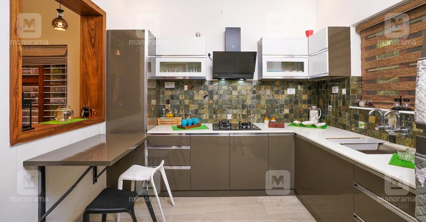 5-cent-home-naduvattom-kitchen