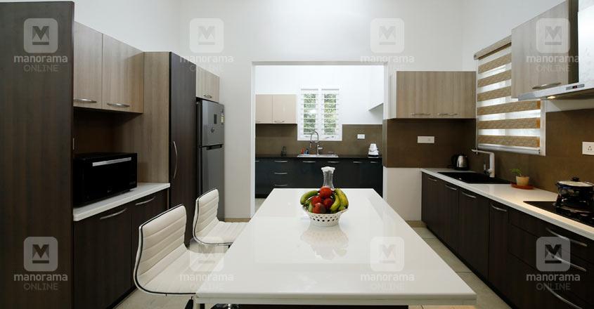 colonial-home-thrissur-kitchen