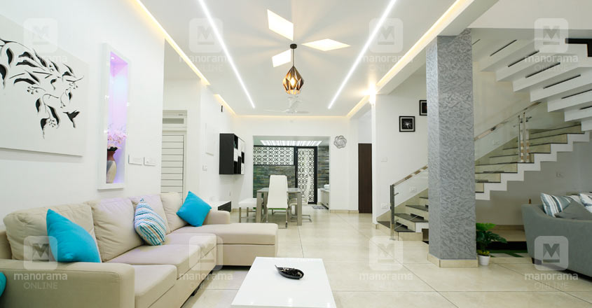 colonial-home-thrissur-living