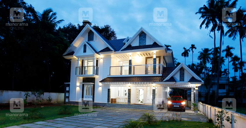 colonial-home-thrissur-night