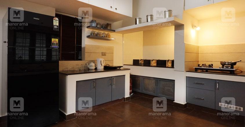 unique-home-pathanathitta-kitchen