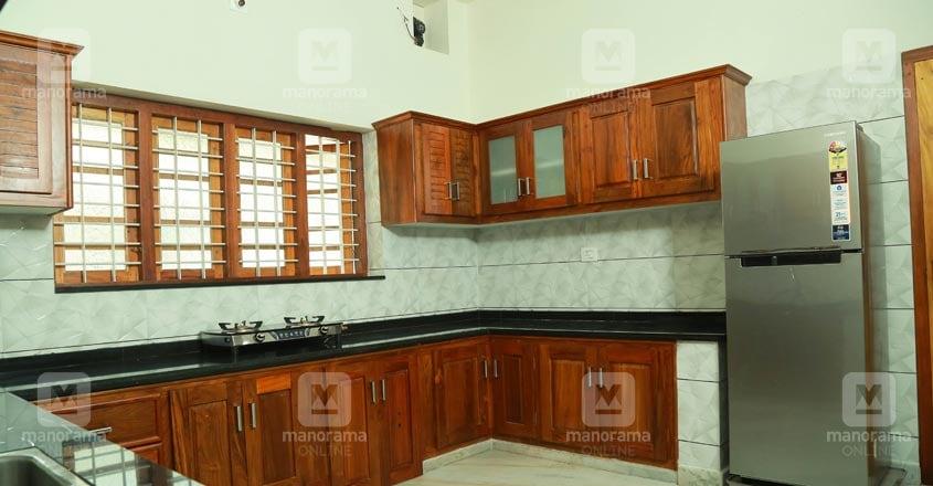 40-lakh-house-thrissur-kitchen