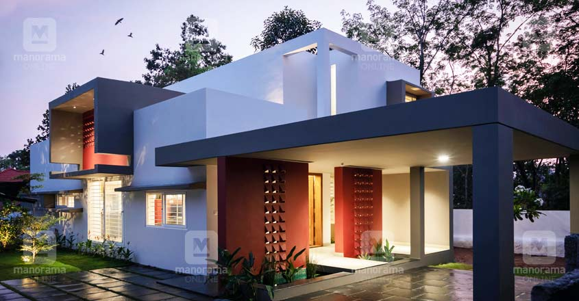 nri-house-tiruvalla-exterior