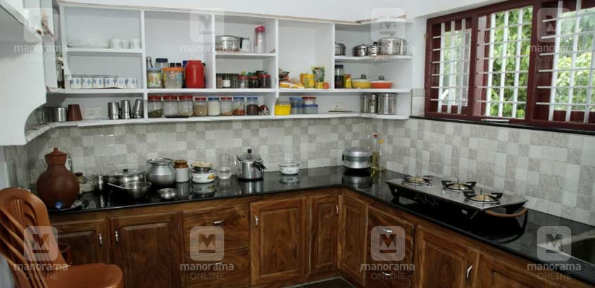 14-lakh-house-chalakudi-kitchen