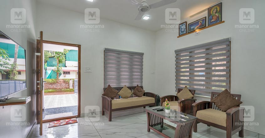 budget-house-ernnakulam-living