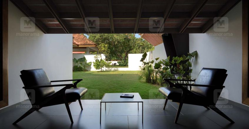traditional-house-aloor-patio