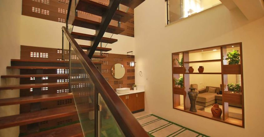 renovated-home-trissur-stair