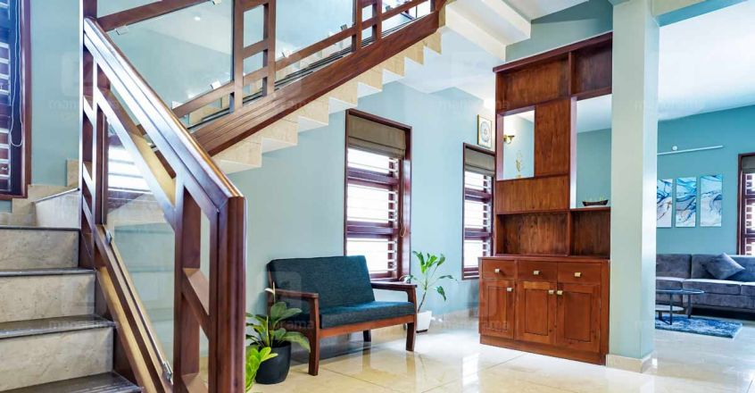 6-cent-house-thalasery-stair