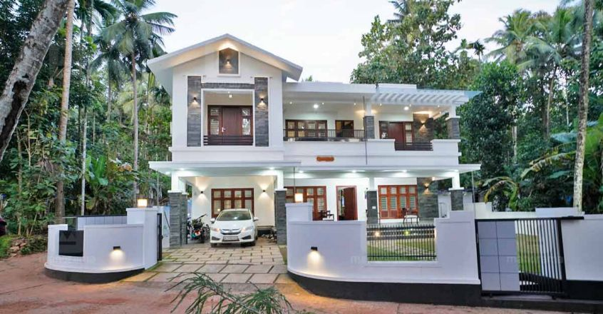 jinson-home-calicut-outside