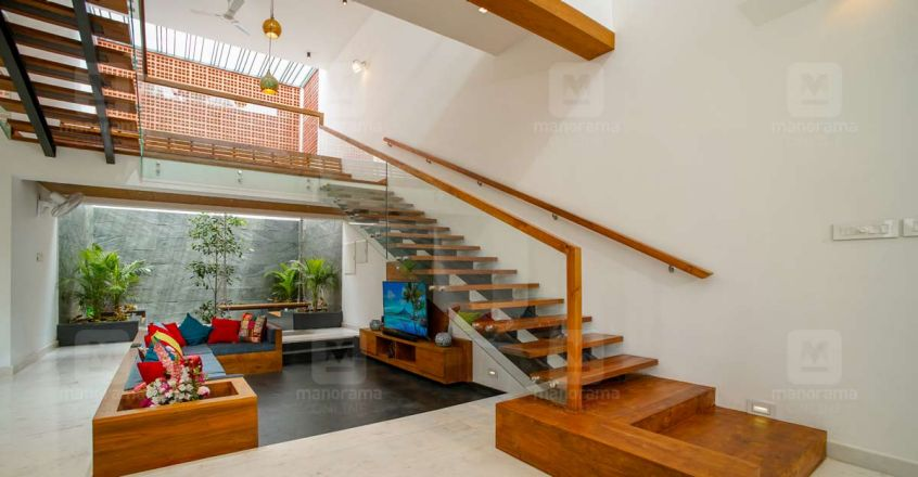 green-home-stair