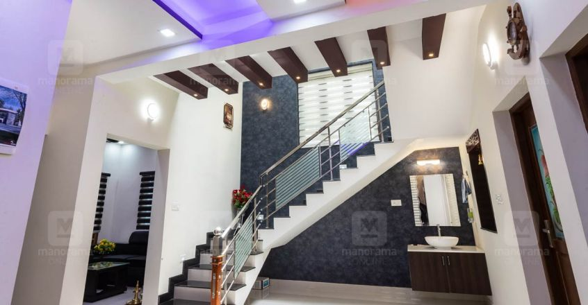 35-lakh-home-stair