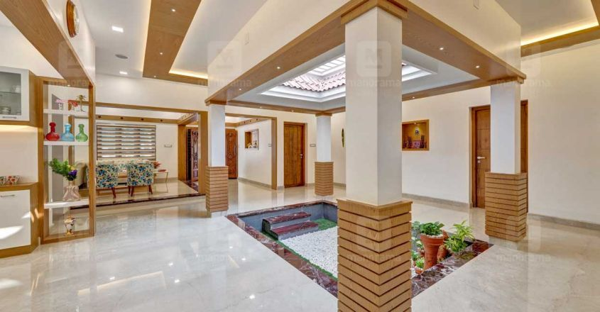 traditional-home-thrissur-courtyard