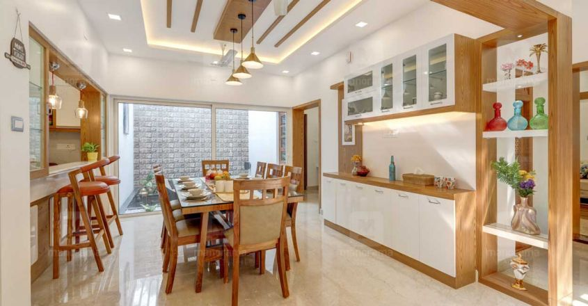 traditional-home-thrissur-dining