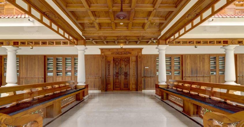 traditional-home-thrissur-sitout