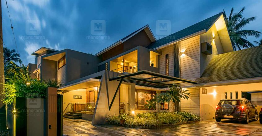 chembad-house-exterior-night