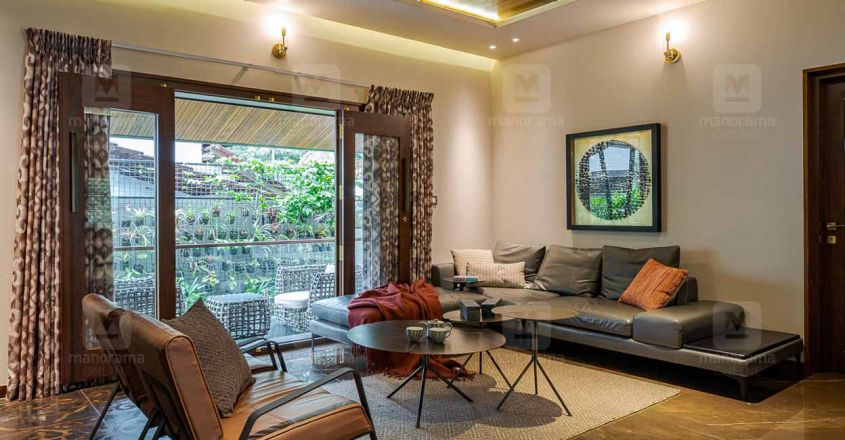 chembad-house-family-living