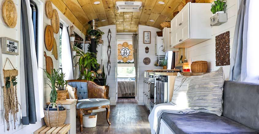 house-on-wheels-interior