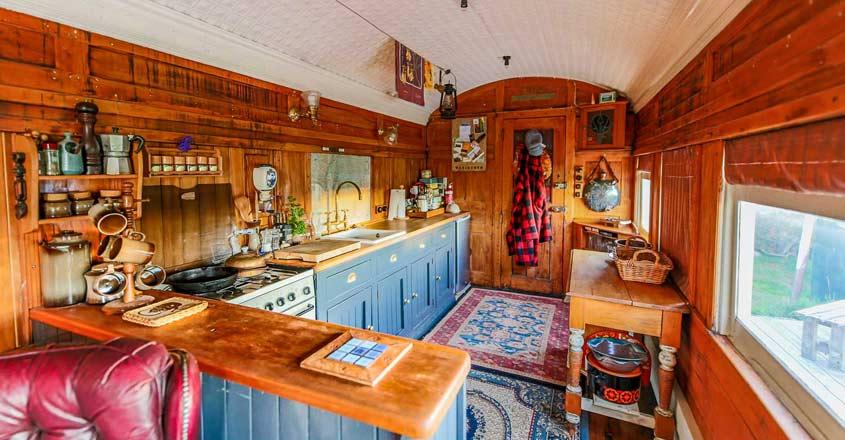 train-house-kitchen