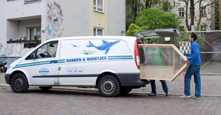 smallest-house-one-sqm-van