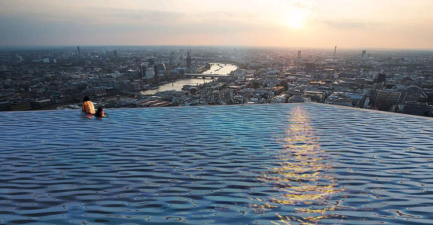 360-degree-infinity-pool-sideview