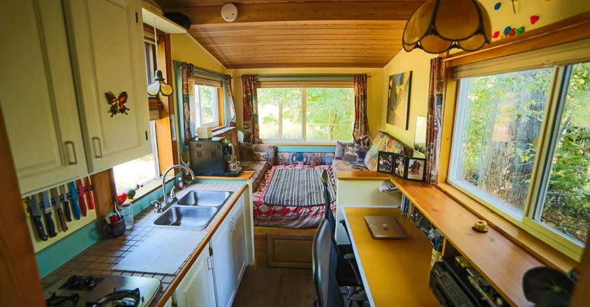 retirement-house-on-wheel-interior