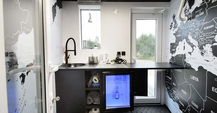 small-hotel-estonia-kitchen