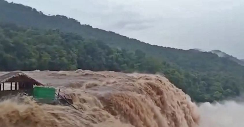athirappilly-waterfall-shed
