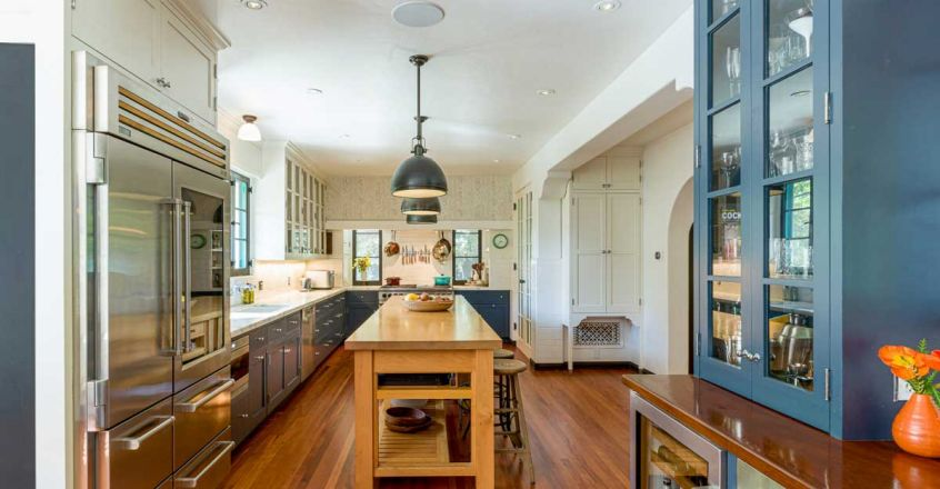 dicaprio-mom-house-kitchen