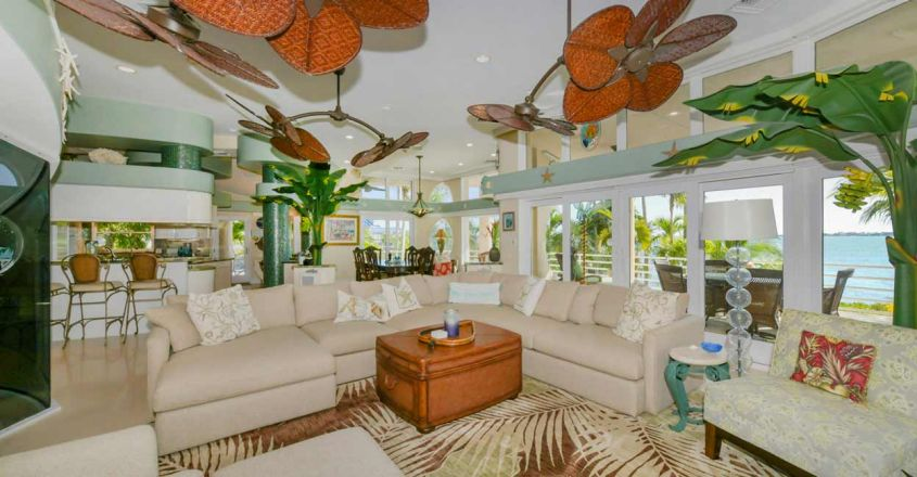 coral-reef-house-living