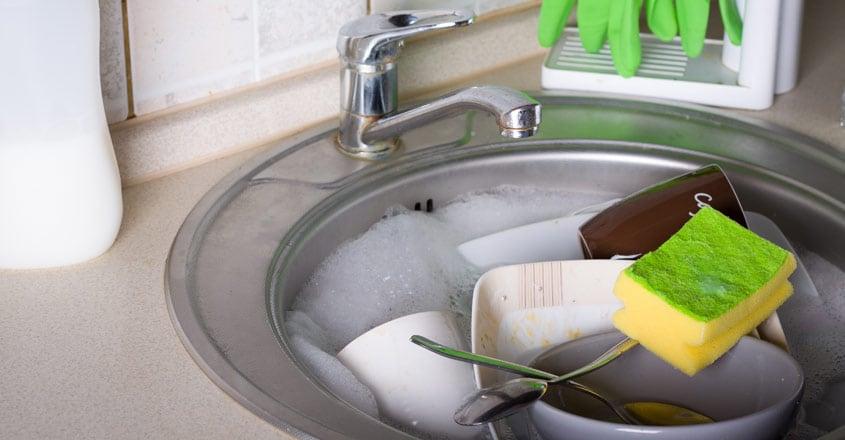 kitchen-sink-washing