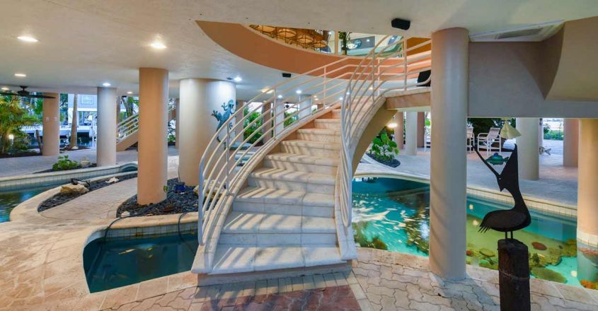 coral-reef-house-water