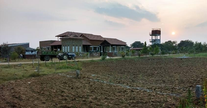 govardhan-house-farm-view