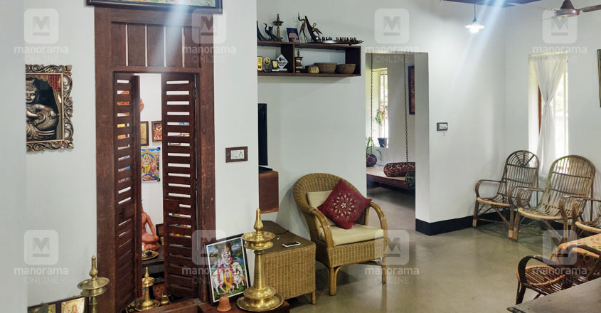 traditional-home-aluva-living