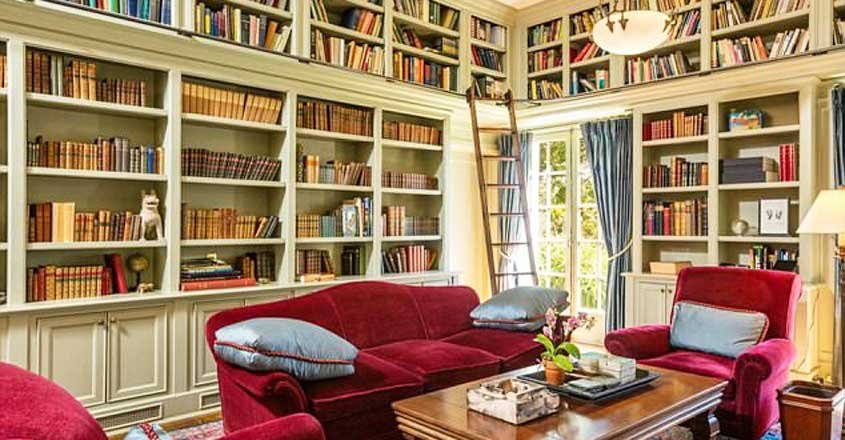 angelina-jolie-house-library