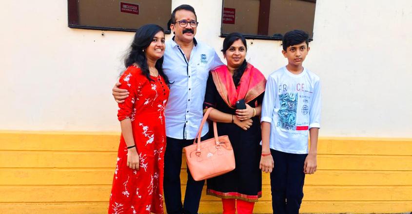 mukundan-family