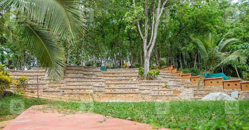 ooru-abrahams-home-landscape
