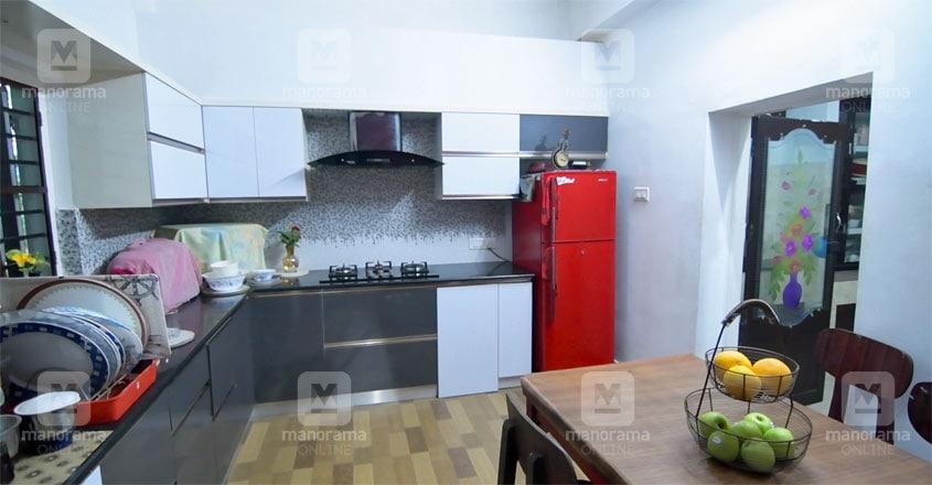 ambilidevi-house-kitchen