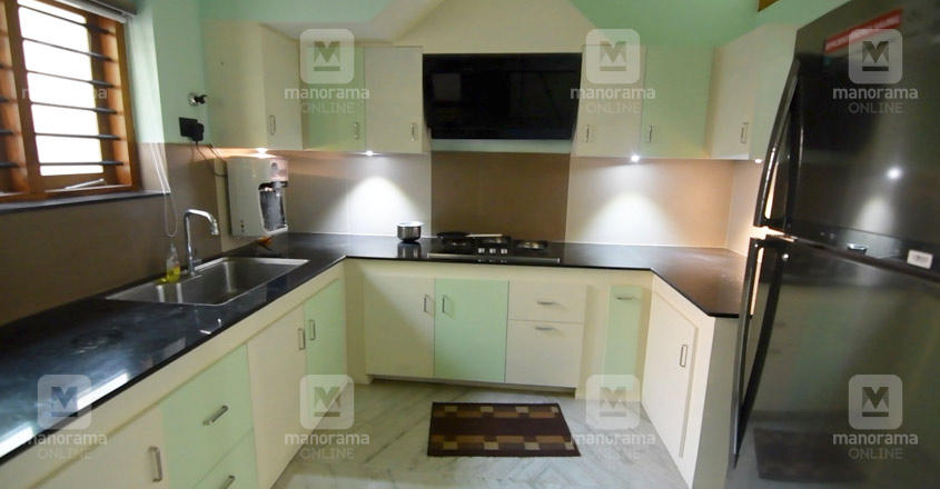 biju-sopanam-house-kitchen