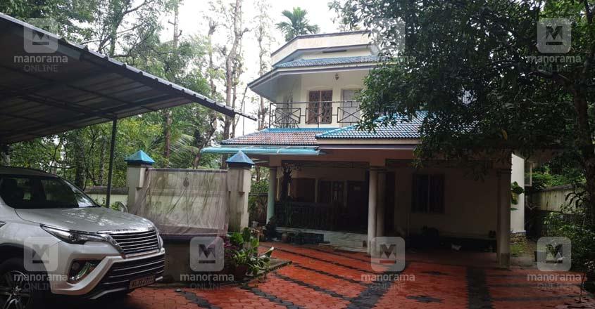 kottayam-nazeer-house