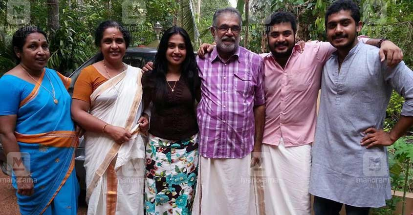 vinu-mohan-family