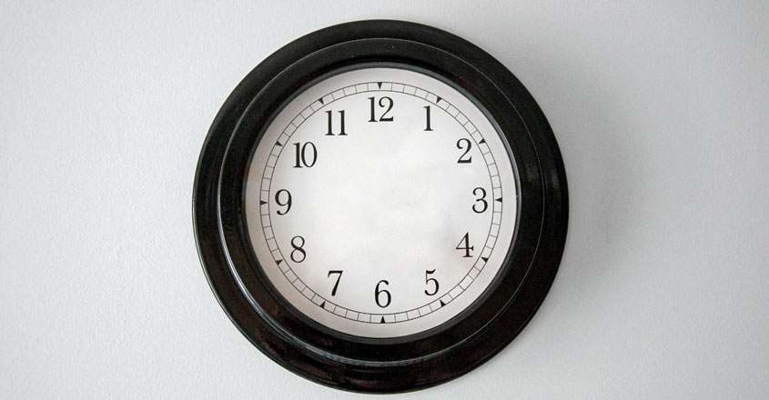 clock-inside-house